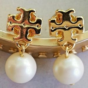 TORY BURCH pearl and gold earrings